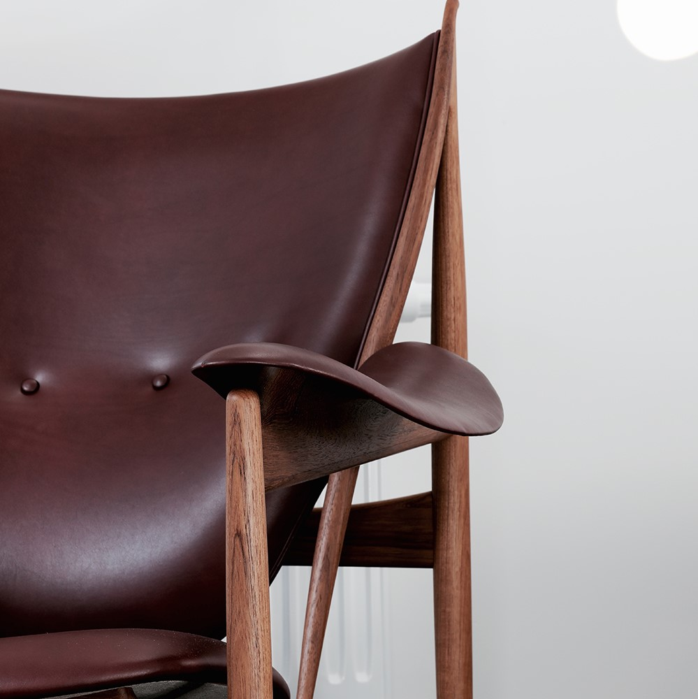 Dark brown chieftain Chair by Finn Juhl crafted with Sørensen Leather.