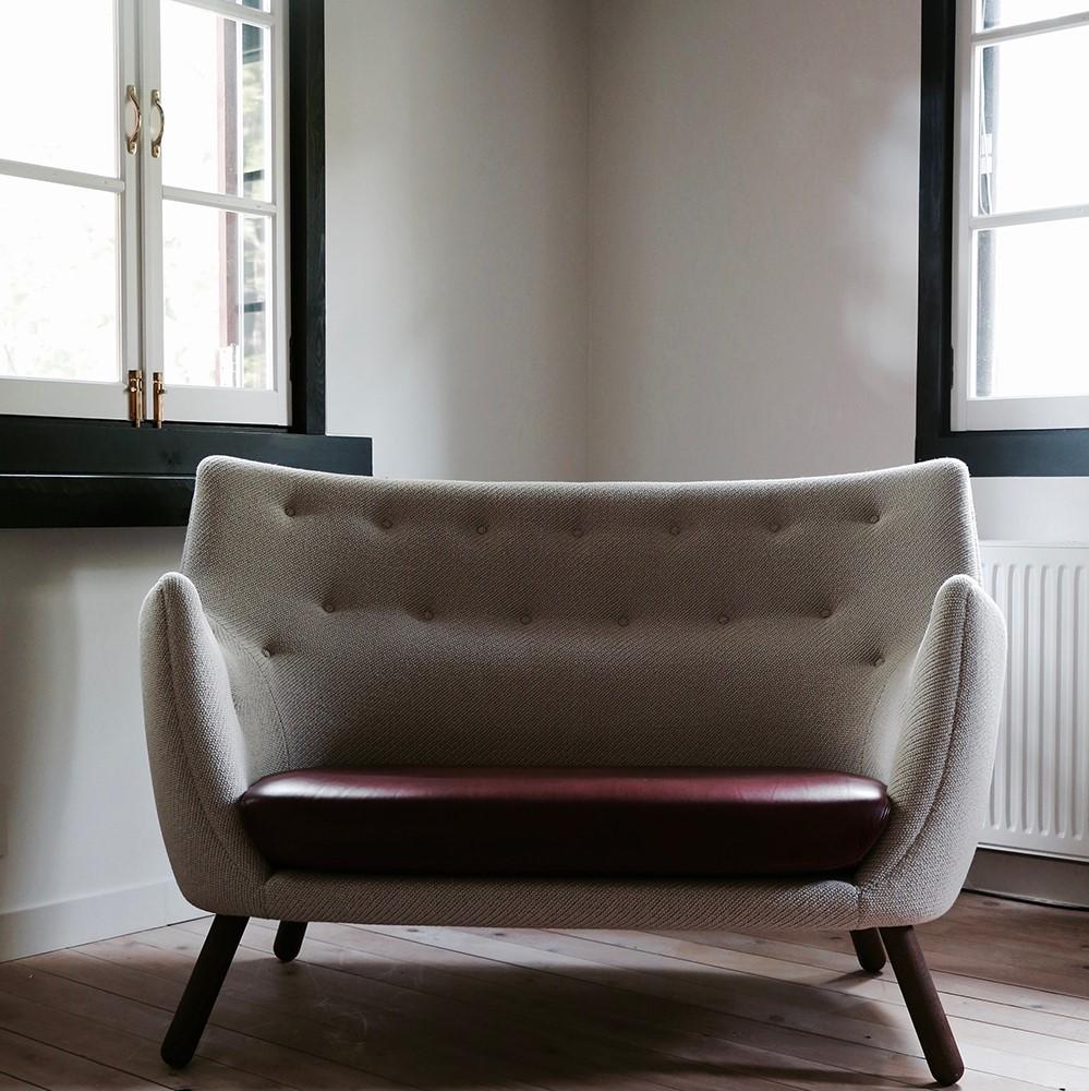 Grey Poet Sofa by Finn Juhl with Sørensen Leather cushioning