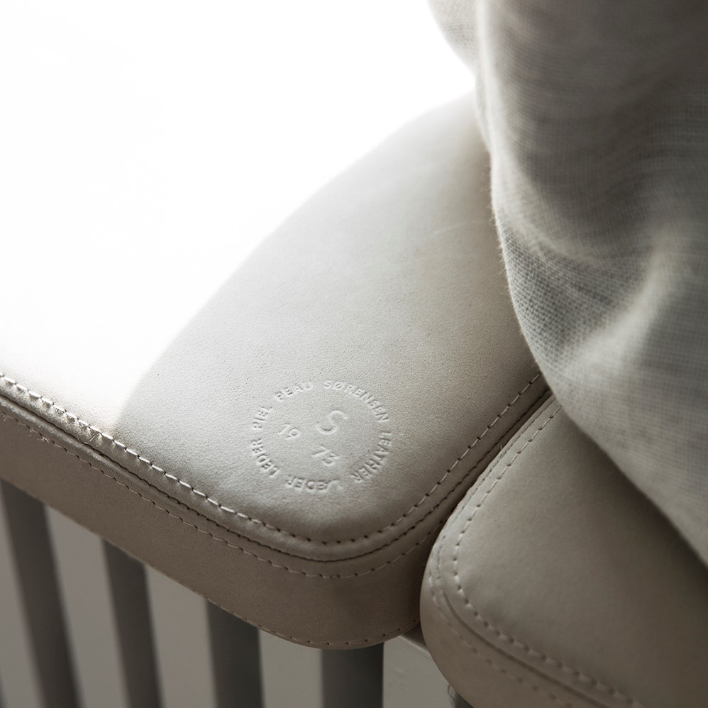 Close-up of seating crafted with Sørensen Leather ROYAL NUBUCK Off White