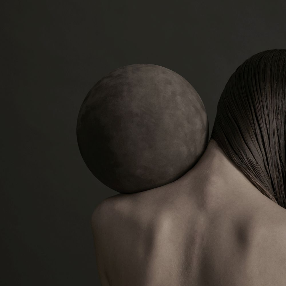 Human sphere with leather ball