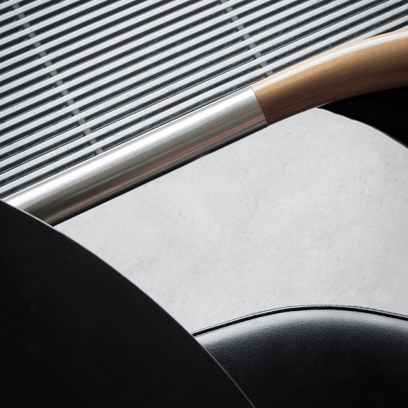Details of the Chairman chairs by Tengler