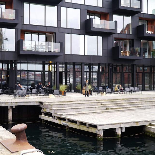 Industrial restaurant overlooking the seaside