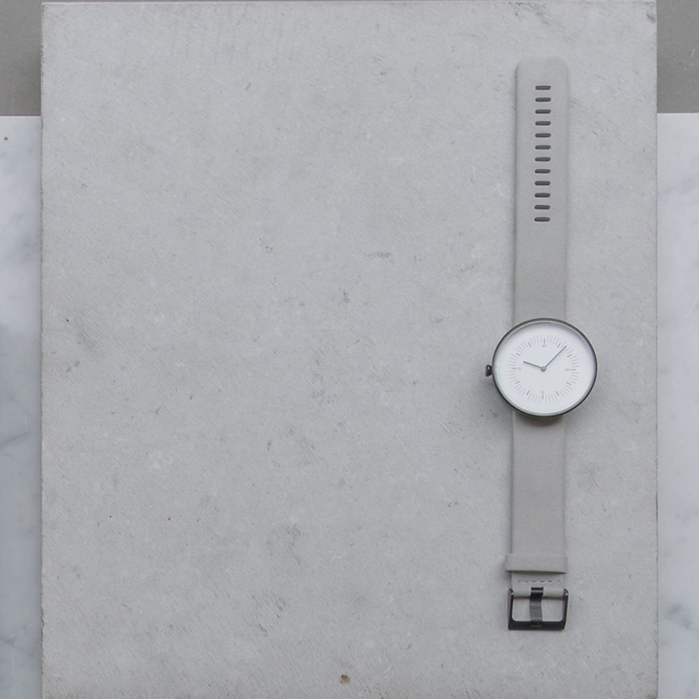 Nomad arm watch in Light Grey leather