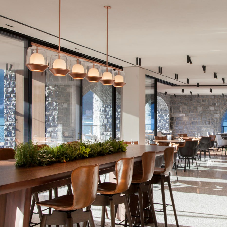 Italian restaurant with Hotel Shell Bar Stools by Michael W. Dreeben from Mater Design, crafted in our Sørensen Leather.