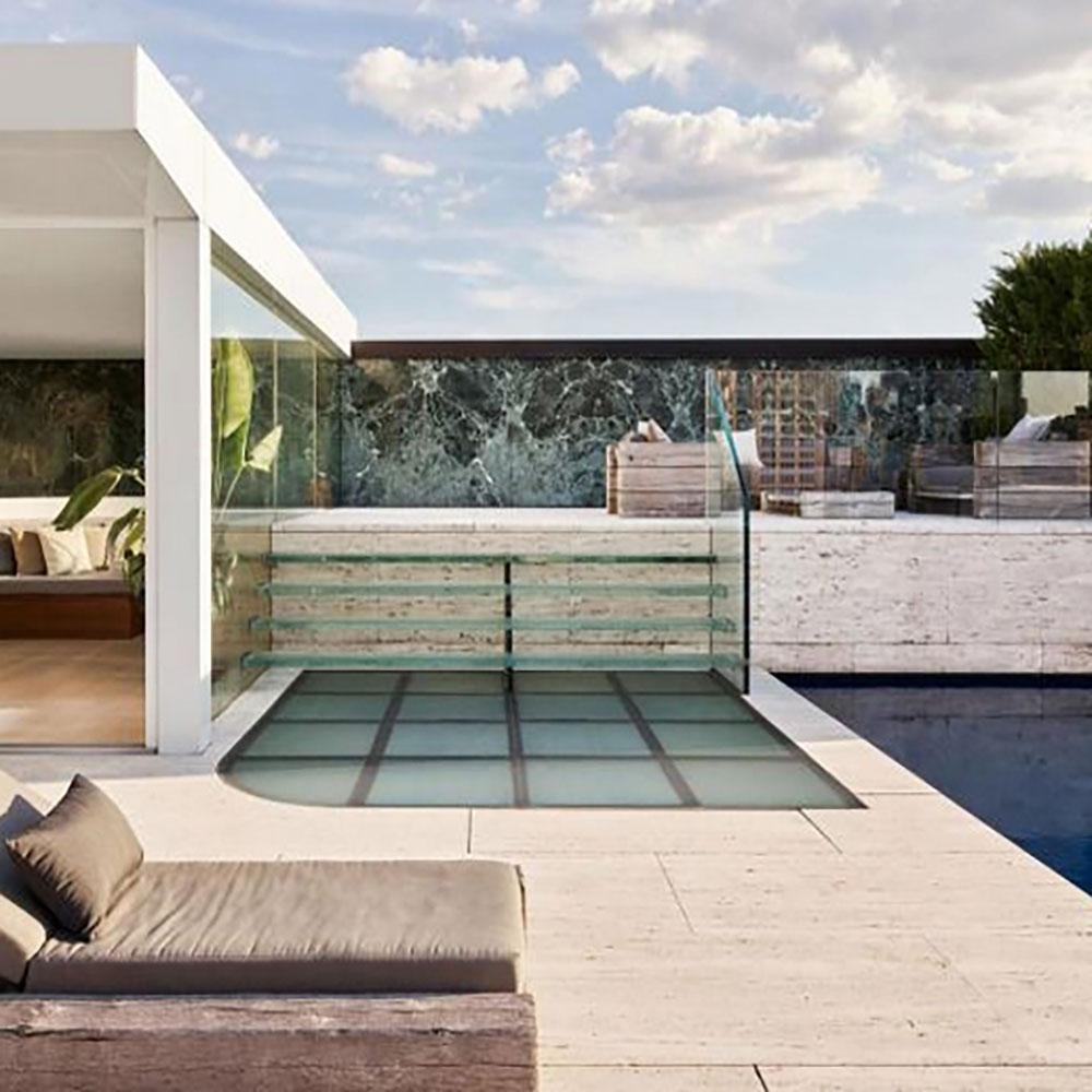 Rooftop deck with a leather sunbed