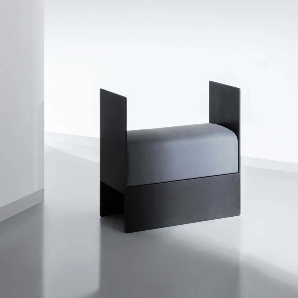 FLUX® bench in Anthrazite and black aluminium